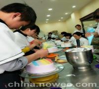 去南阳蛋糕培训学校学网红蛋糕(图)